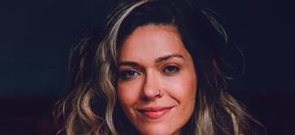 Lorena Chaves entrevista A Gazeta